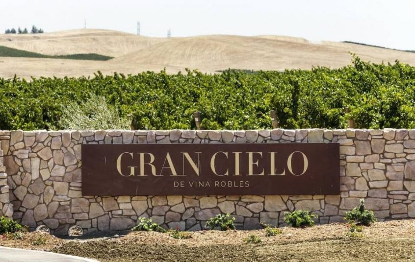 Entrance to Gran Cielo de Vina Robles